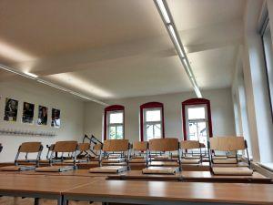 Beleuchtung eines Klassenzimmer in der Pestalozzischule Neusalza-Spremberg, Haus 2