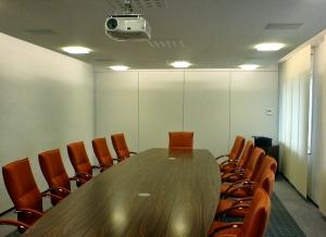 Beleuchtung des Konferenzraumes von Jokey Sohland