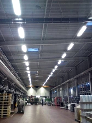 Beleuchtung der Produktionshalle von Jokey in Sohland